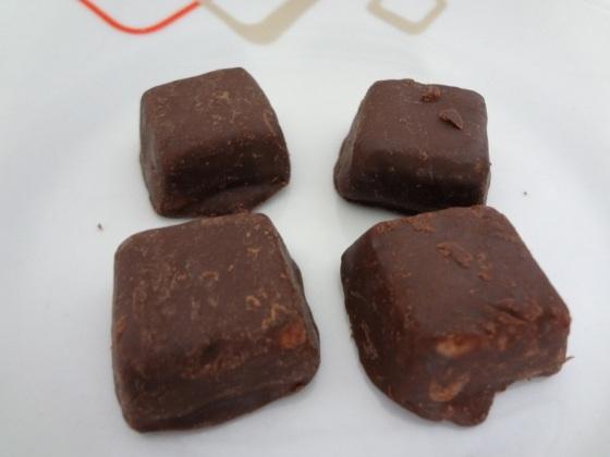 Doce de Leite com Coco e Cobertura de Chocolate