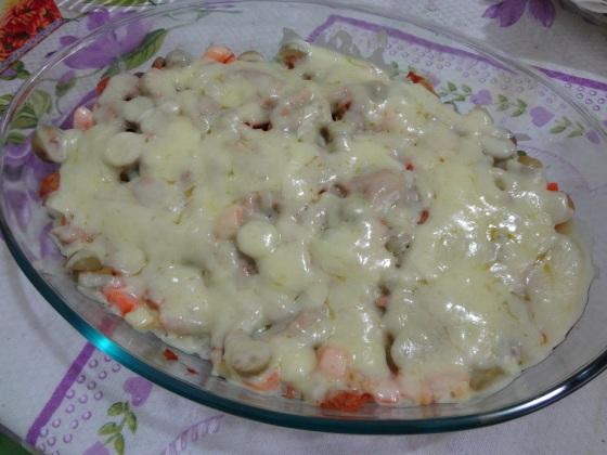 arroz de forno com molho de atum e tomate picante