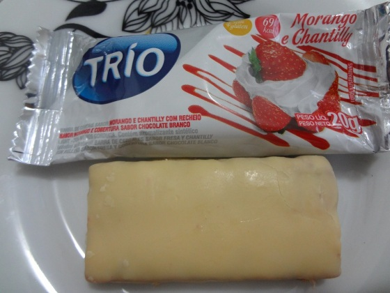 barrinha de cereal trio morango e chantilly