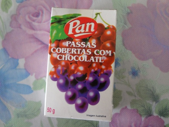 passas cobertas com chocolate pan