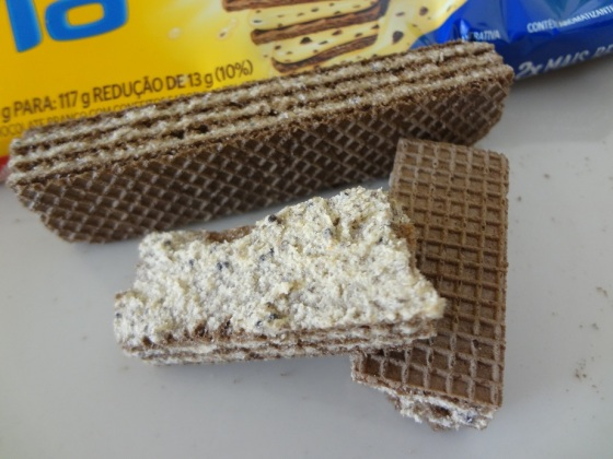 bauducco maxi wafer hershey's cookies n creme