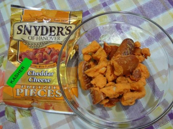 snyders of hanover cheddar