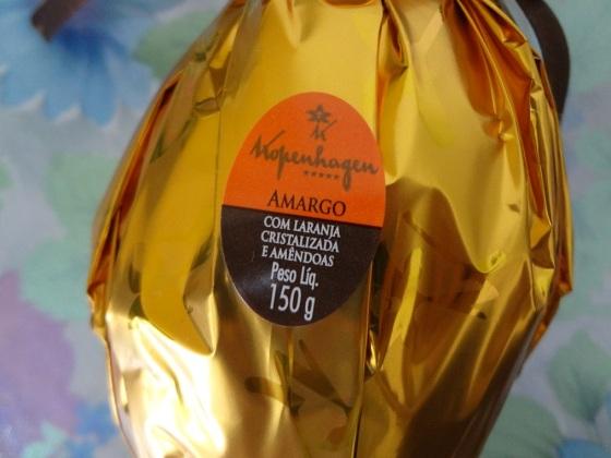 ovo amargo com laranja cristalizada e amêndoas